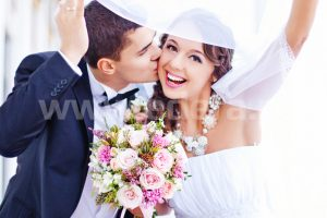 Ślubna suknia i garnitur